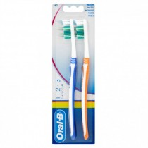 Oral B Classic 1.2.3 Twin Tooothbrushes